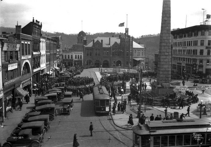 Historical photo Asheville town square